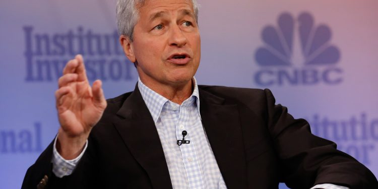 """JP Morgan CEO'sundan Bitcoin Açıklaması: """"Uzak Kalıyorum"""""""