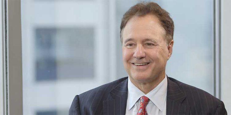 """Bain Capital'in Başkanı Steve Pagliuca Uyardı: """"Dogecoin Felaket Reçetesi Gibi Görünüyor"""""""